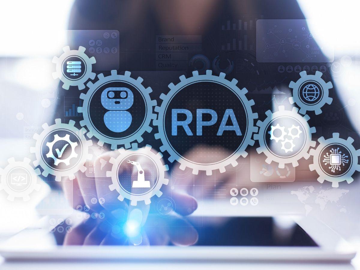 人材派遣もRPAを利用する時代です。RPA導入のポイント